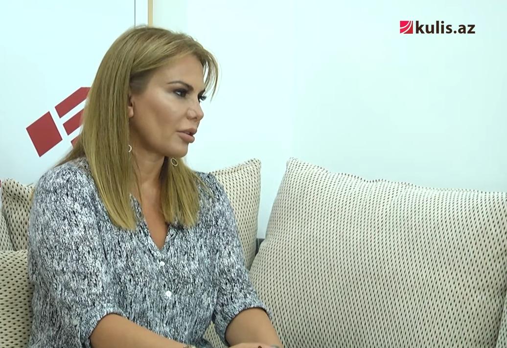 """Ülvira Qarayeva: """"Qadından yazıçı olmaz, bu, kişi işidir"""" – Video-söhbət"""