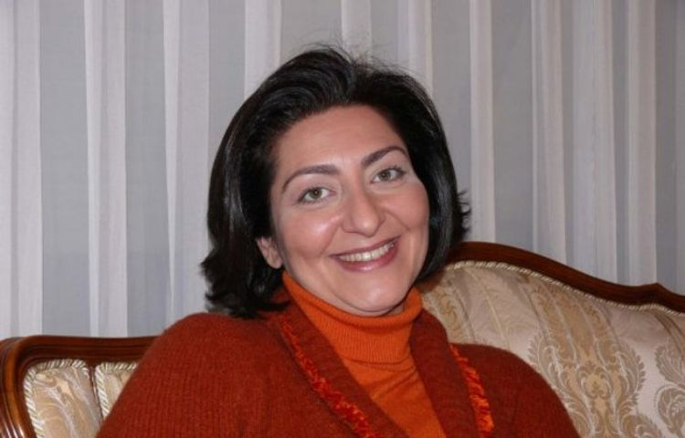 Anama bənzəyən türk aktrisa ilə facebook tanışlığım