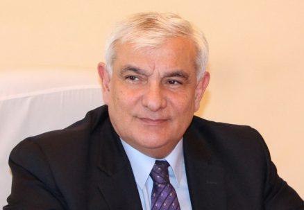 """Kamal Abdulla: """"Kimi məni öyə-öyə oxuyur, kimi söyə-söyə"""" - Müsahibə"""