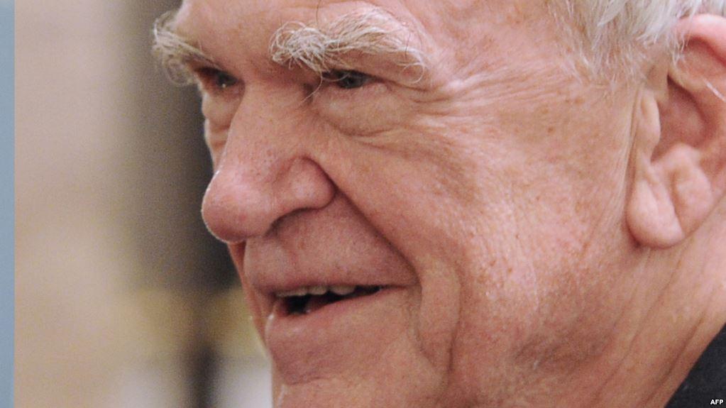 Bu zarafat ağrını-acını boğa bilməzdi – Milan Kundera yazır...