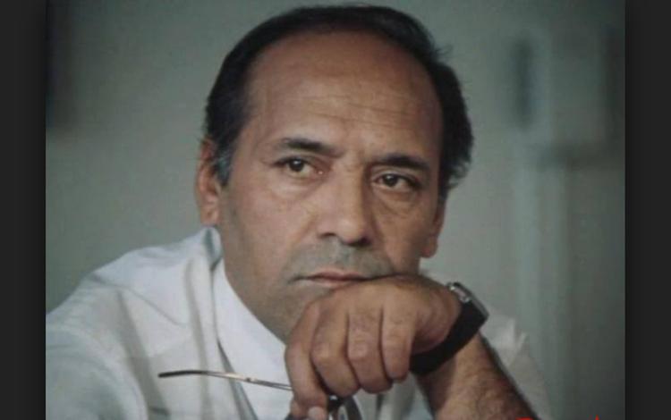 30 il əvvəl ölmüş aktyoru verilişə çağıran jurnalist