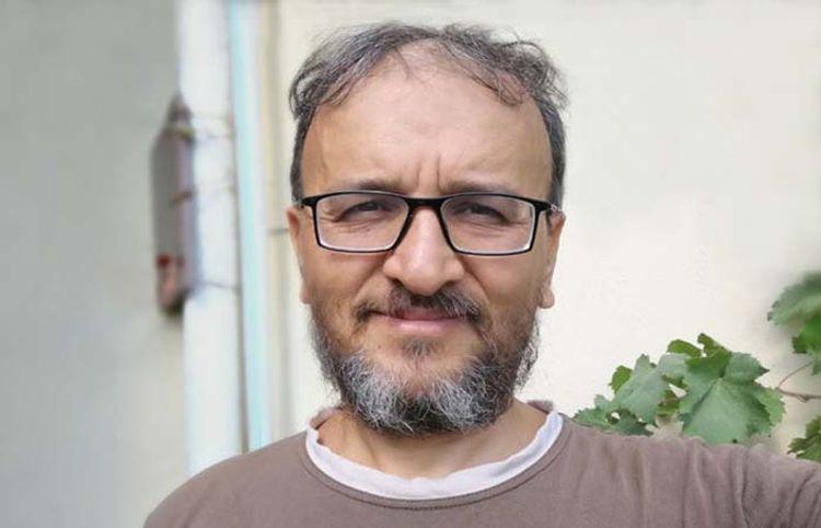Qarnıma yumruq vuran Xalq artisti