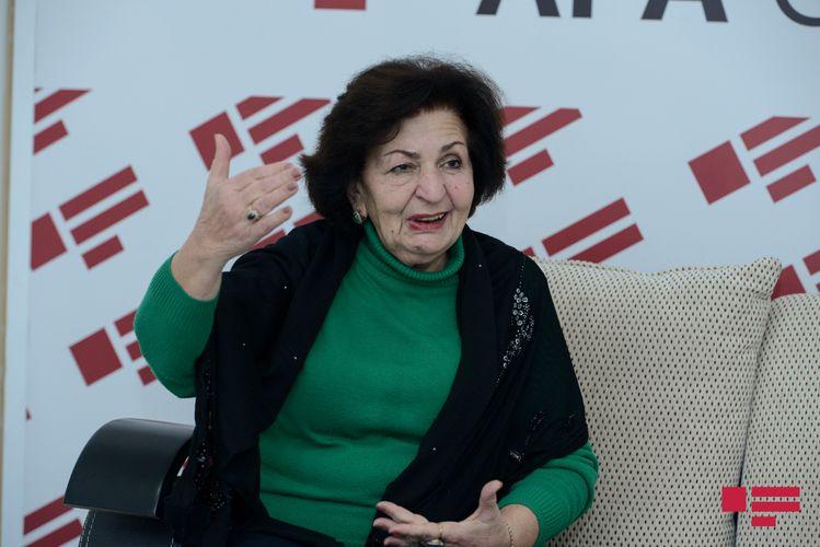 """Kübra Əliyeva: """"Oğlum həbsxanaya düşəndə rahat olurdum"""" - Müsahibə"""