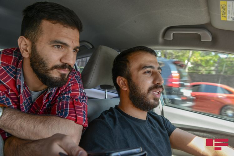 """Mübariz İbrahimovun yaxın dostu olmuş taksi sürücüsü: """"Hər gün bizim idman zalına gəlirdi"""" - Maşından reportaj"""