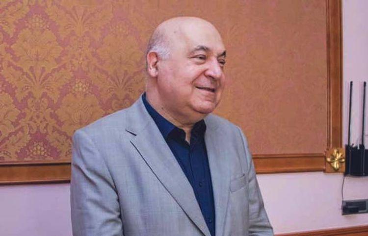 Çingiz Abdullayev Vətən müharibəsindən hekayə yazdı – Mətn