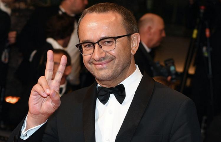 Dünya şöhrətli rejissor komadan çıxdı